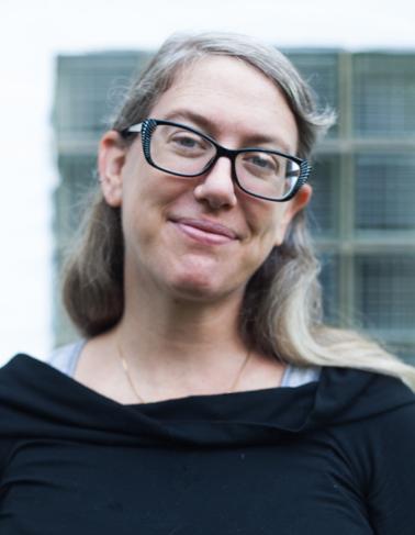 Headshot of Lindsey Scherloum