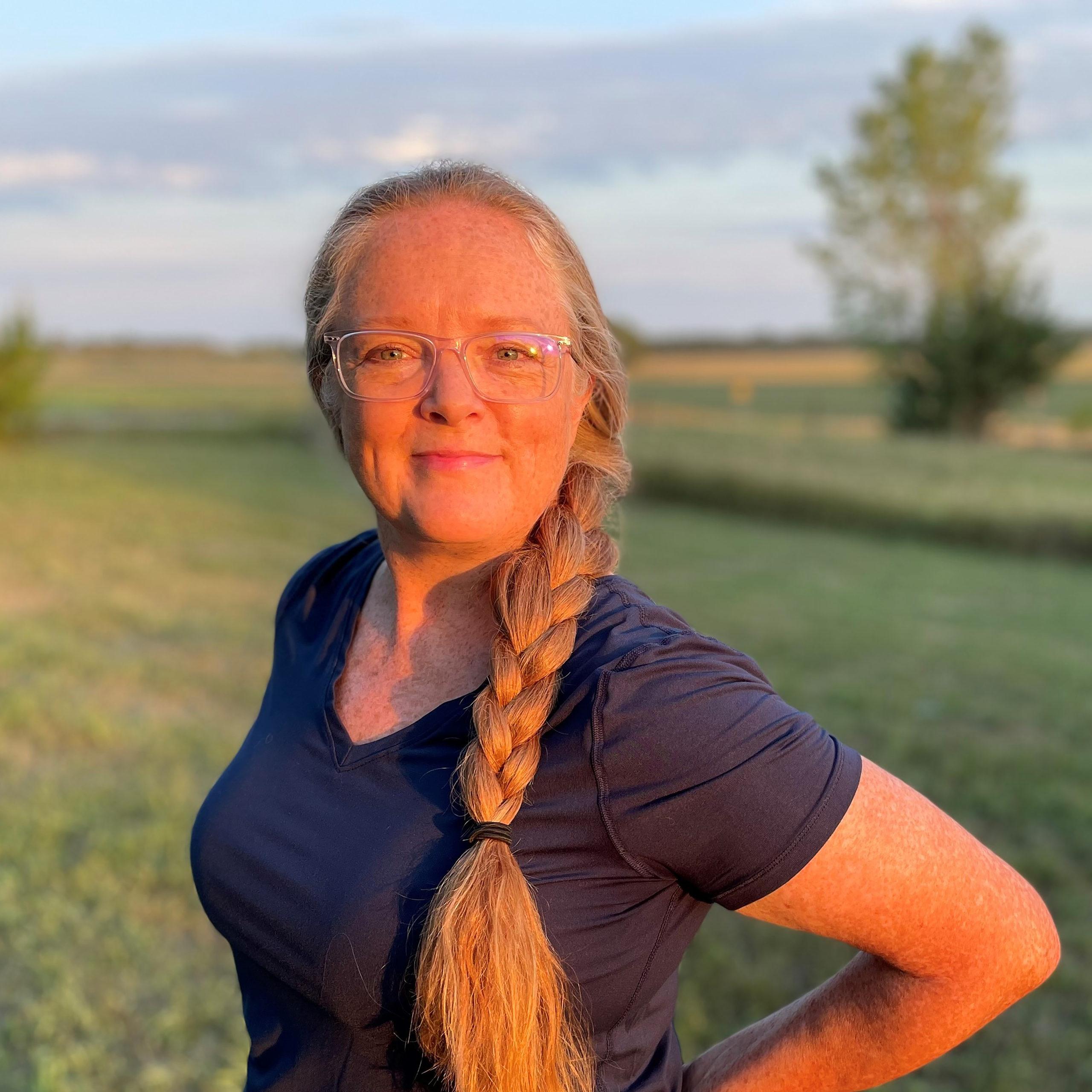Sandra Kern Mollman Headshot